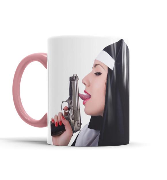 Кружка Монашка с пистолетом